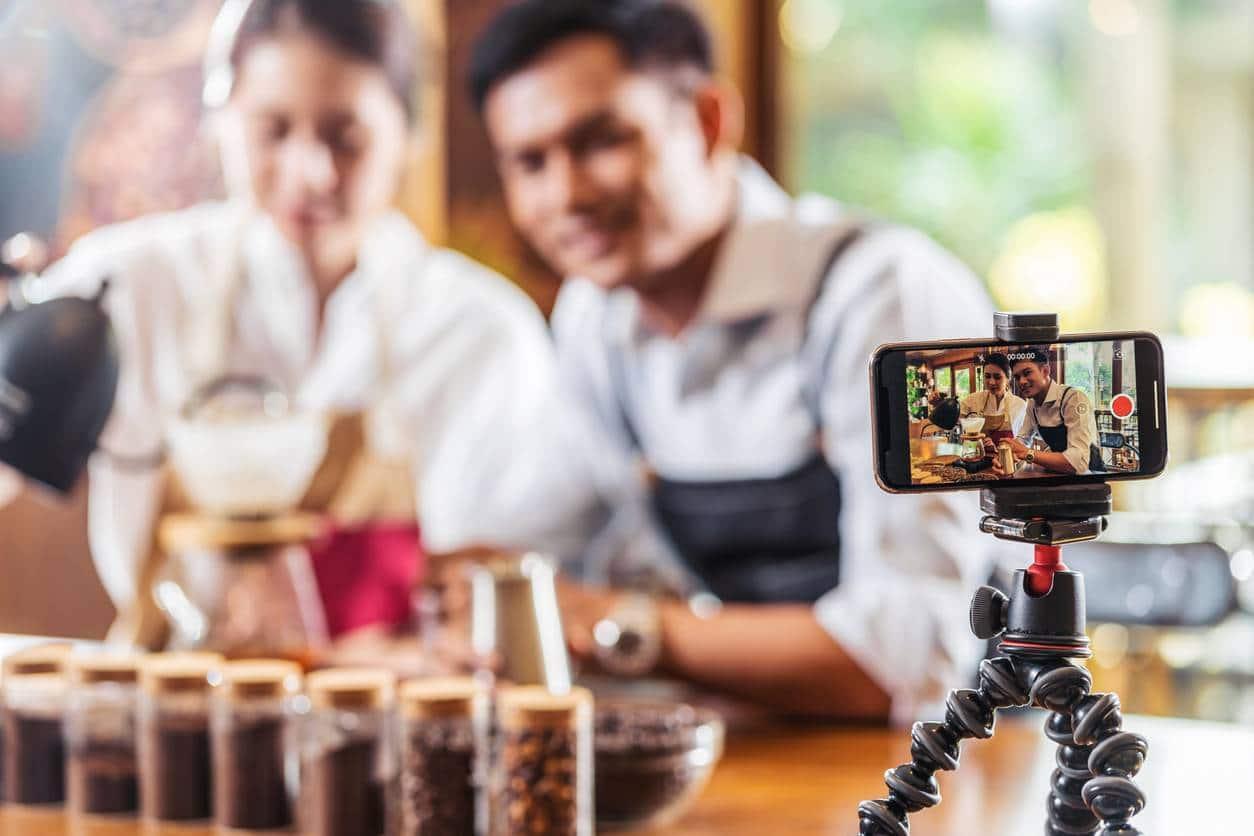 Montage d'une vidéo d'entreprise tournage